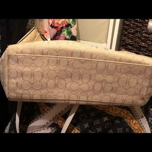 Coach Bags - Cream and gold coach hobo